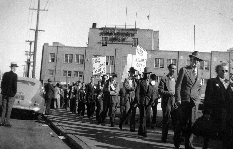 Sears-picket-line-CLS-collection-Labor-Archives-c-1948 6474.jpg