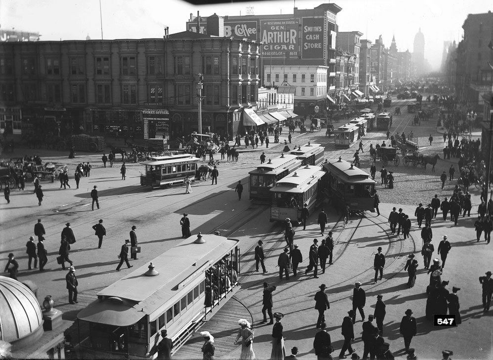 Cable-Cars-at-Market-Street-Ferry-Loop-August-23-1905 SFMTA U00547.jpg