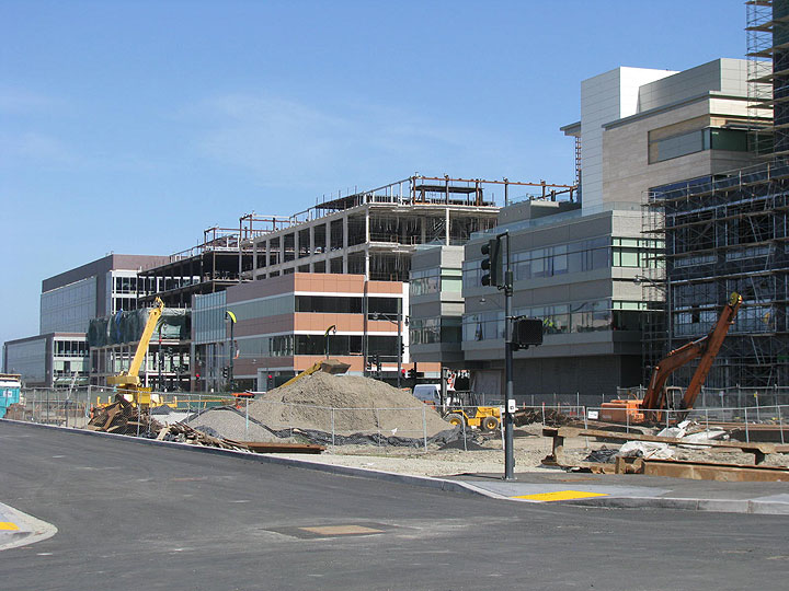 Mission-bay-campus-under-construction-may-2009 9100.jpg