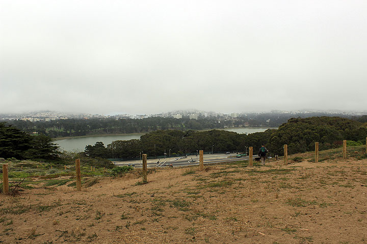 View-east-from-Ft-Funston-towards-Lake-Merced 2879.jpg