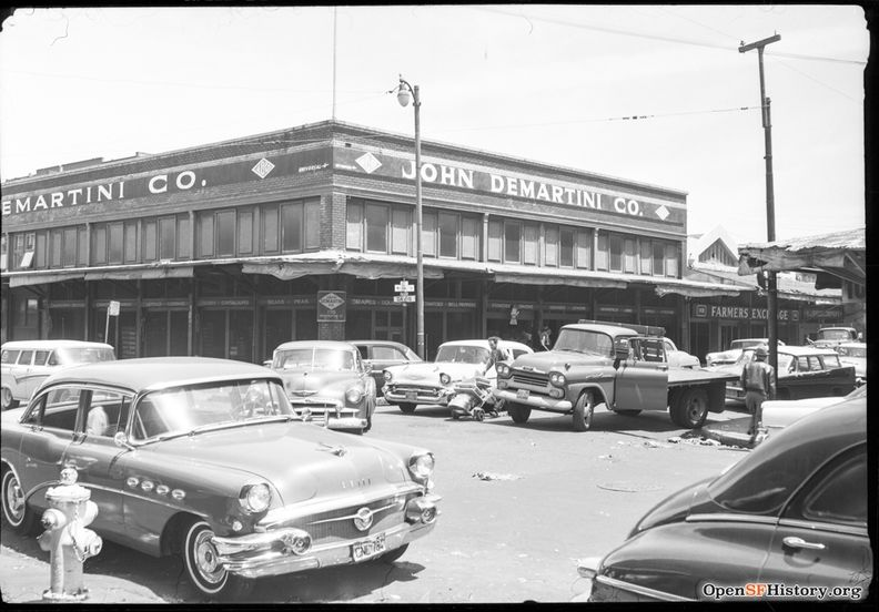 May 1959 Davis and Washington View of old Produce District, demolished for Golden Gateway Center; John Di Martini Co., Farmers Exchange wnp14.11135.jpg
